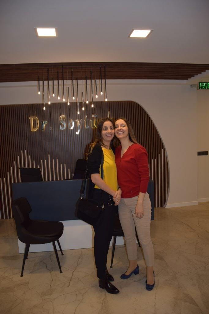 Uzm. Dr. Züleyha Soytürk Aşık ve kardeşi Mehtap hanım